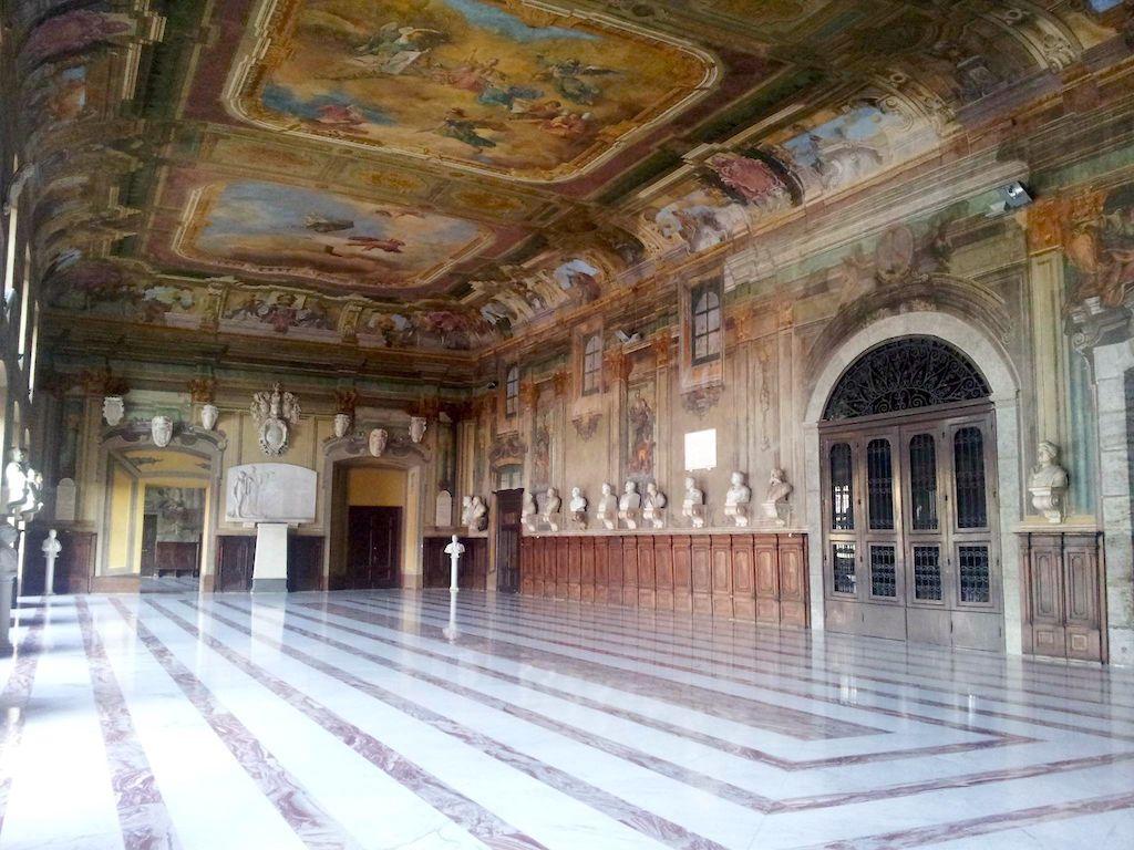 Castel Capuano Salone dei Busti