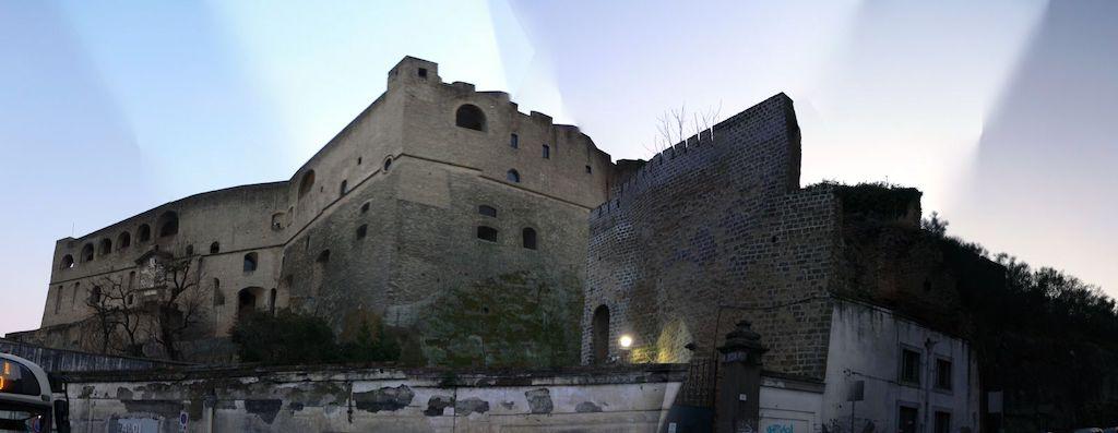 Castel Sant'Elmo sulla collina del Vomero a Napoli