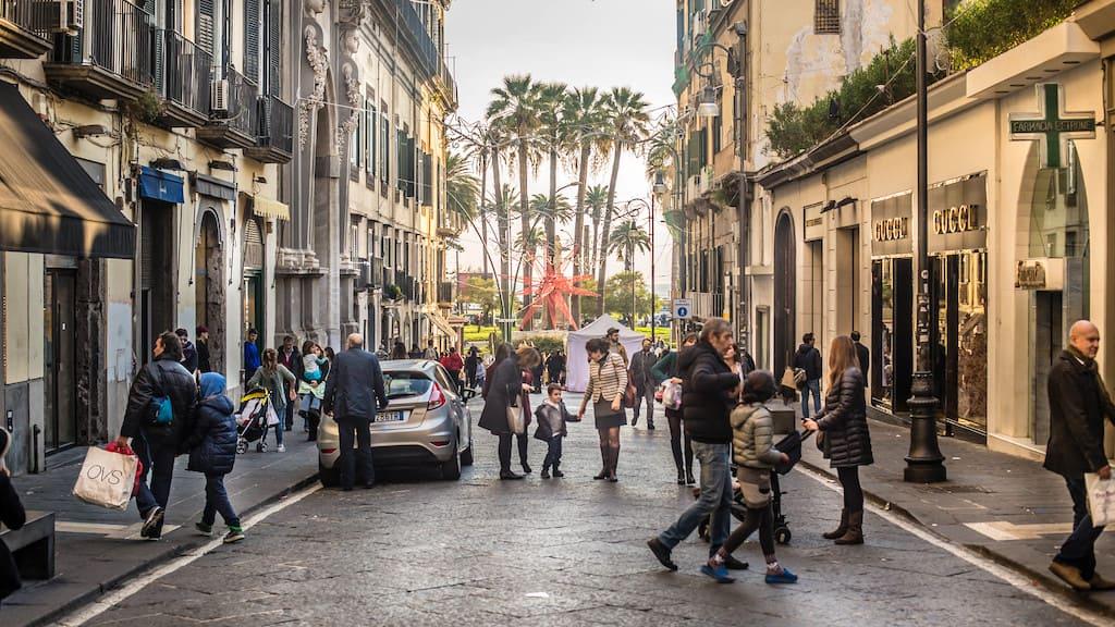 Le vie dello shopping a Napoli