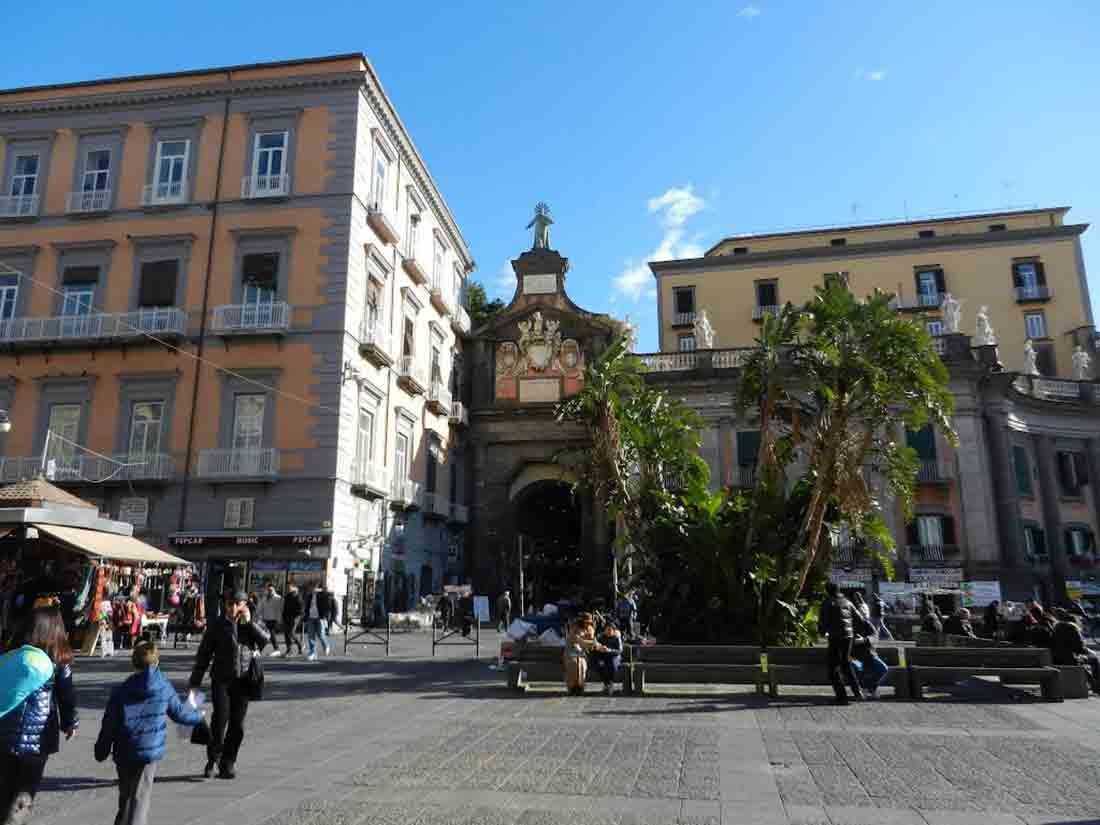 Porta Alba Napoli