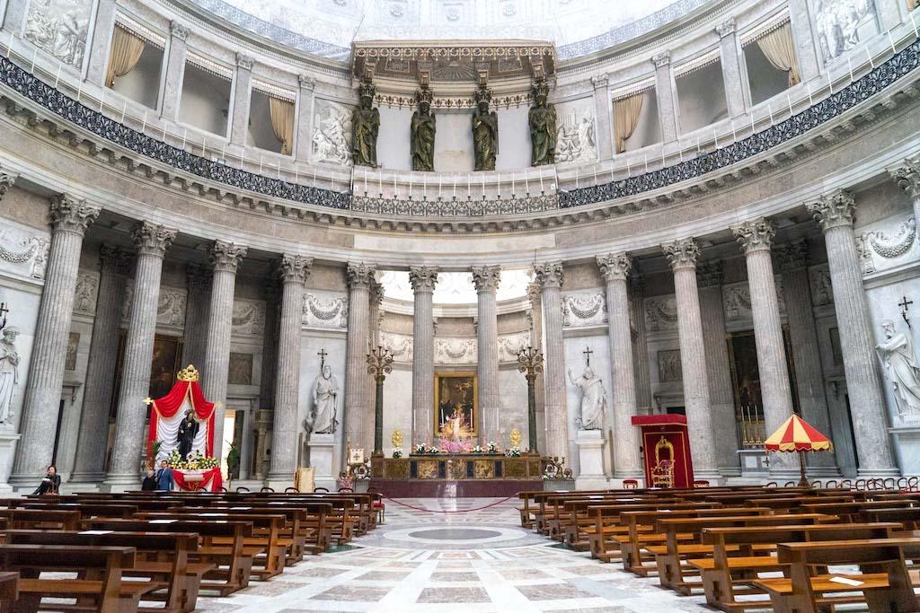 San Francesco di Paola Napoli interno