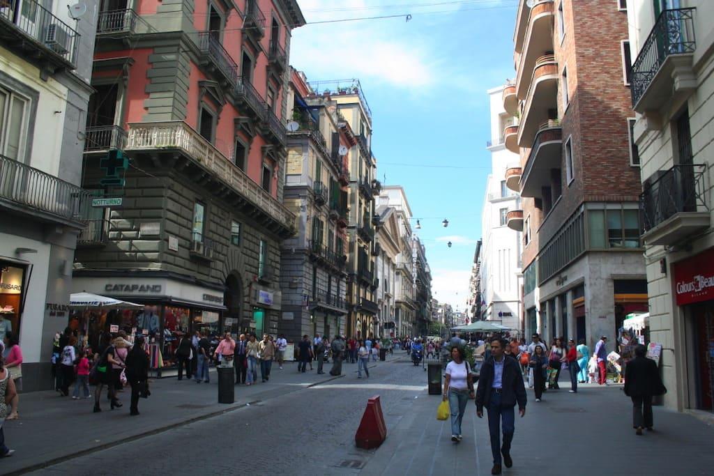 Via Toledo Shopping Napoli