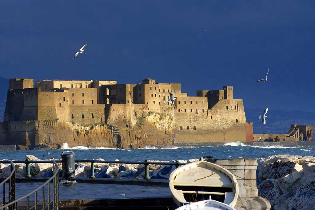 Castel dell Ovo, Napoli