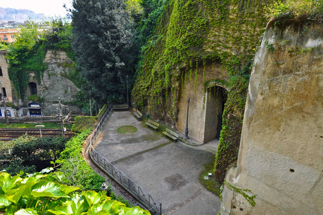 La Crypta Neapolitana (Napoli)