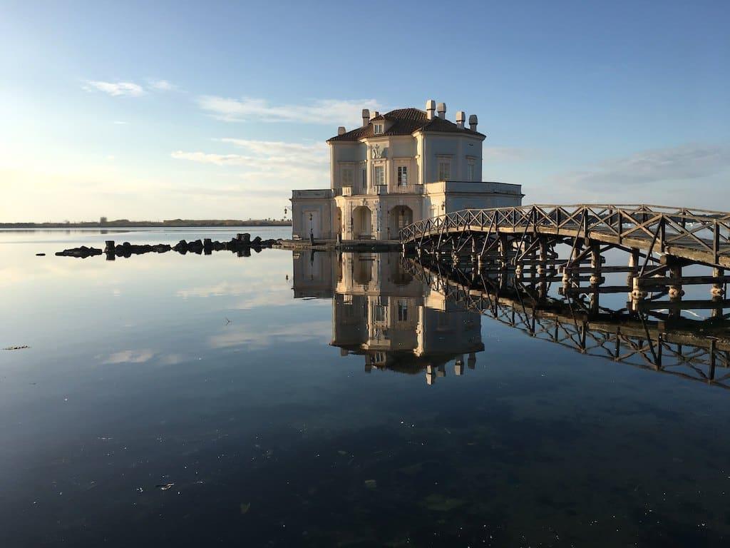 Casina vanvitelliana sul Lago Fusaro