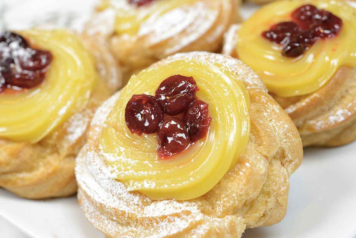 Zeppole di san giuseppe napoli il dolce tipico della for Dolci tipici roma