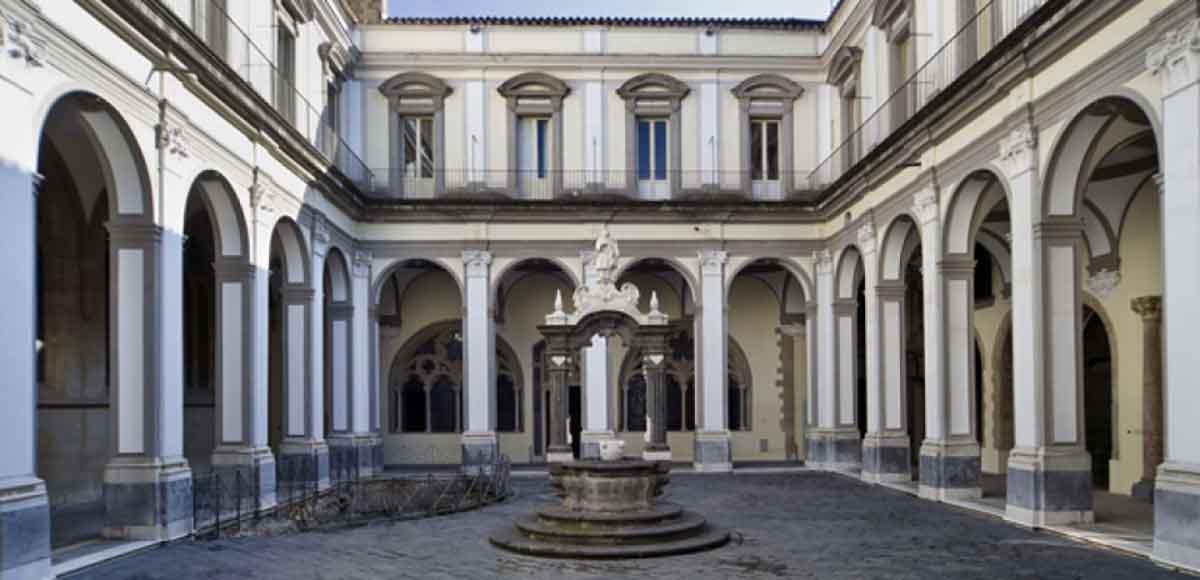 San Lorenzo Maggiore: Il Chiostro