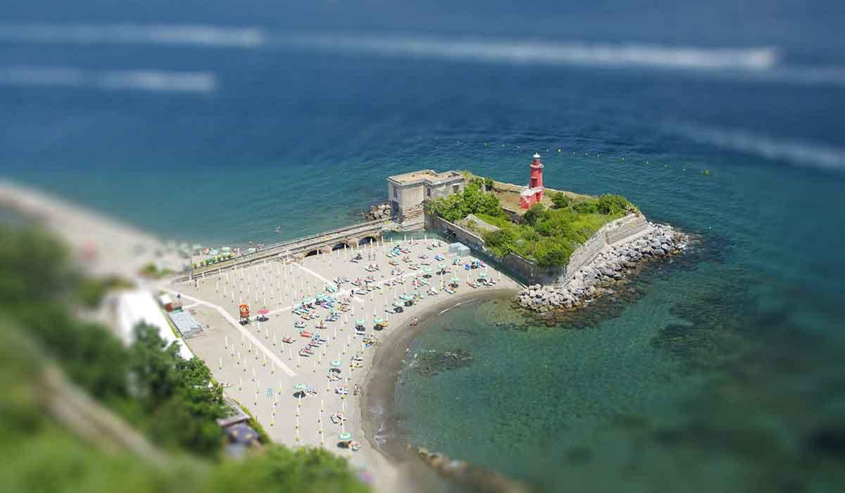 Bagni Rocce Verdi Napoli : Spiagge di napoli per coloro che amano il mare e il relax