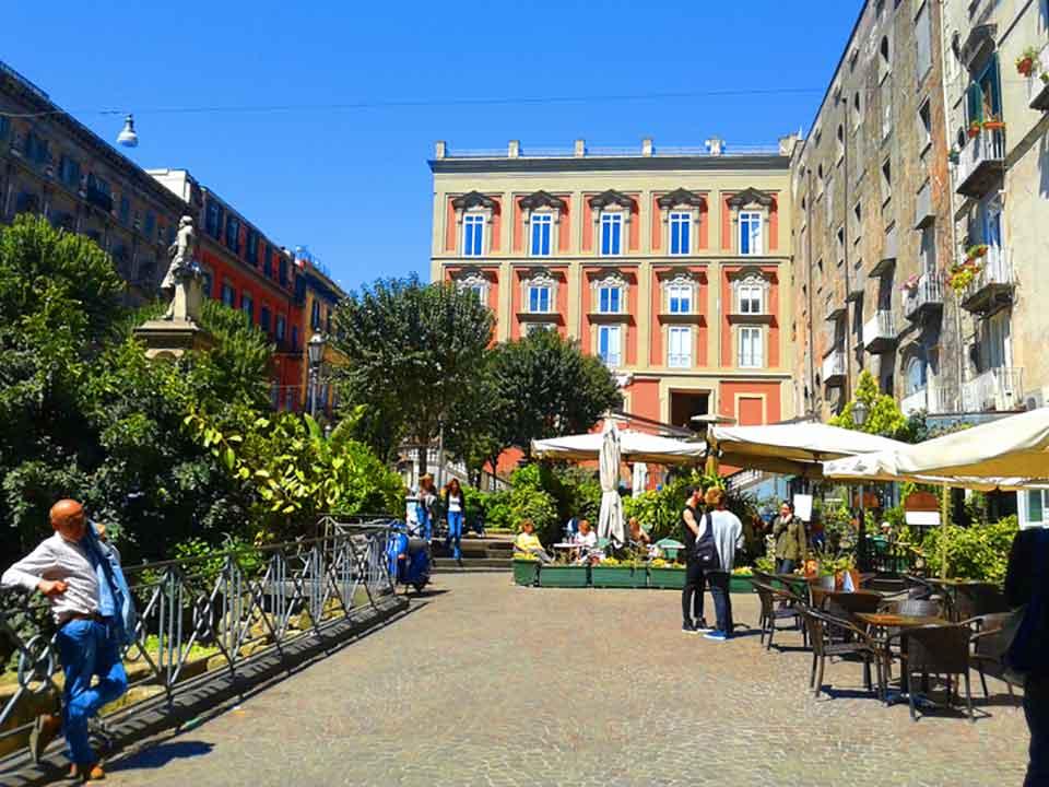 Piazza Bellini, Napoli