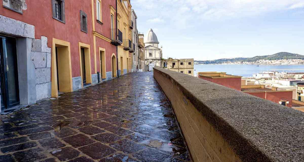 Visite guidate al Rione Terra, il cuore antico di Pozzuoli