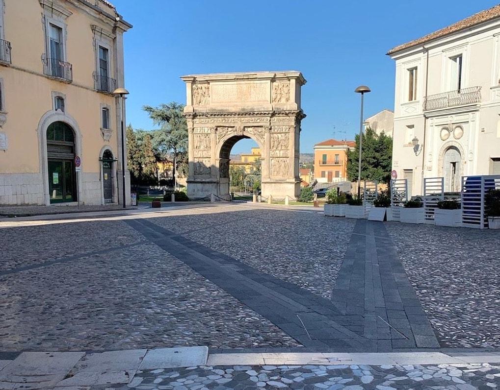 Benevento, Arco Traiano