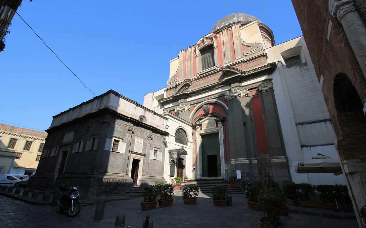 Chiesa di Pietrasanta, Napoli
