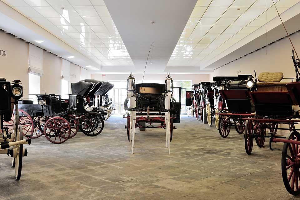 Villa Pignatelli, Museo delle carrozze