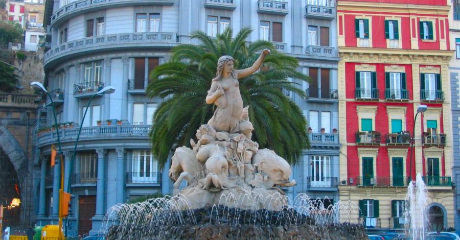 Piazza Sannazzaro, Napoli