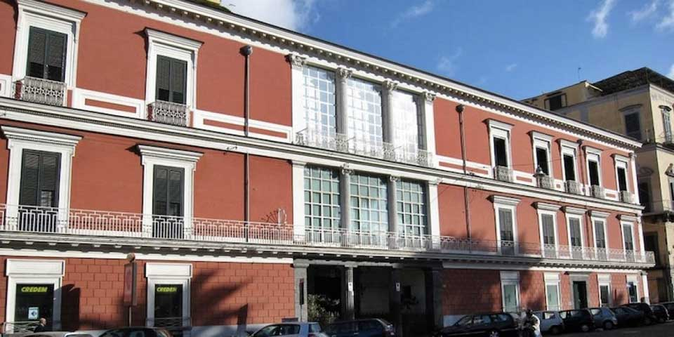 Napoli - Palazzo San Teodoro, la facciata