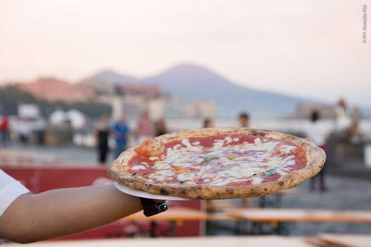 Napoli Pizza Village, Lungomare Caracciolo