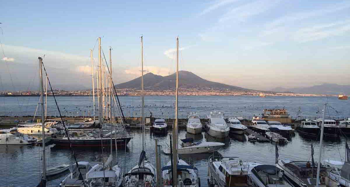 Borgo Marinari di Napoli, ai piedi del Castel dell'Ovo