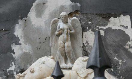Fontana della Spinacorona o delle Zizze, Napoli