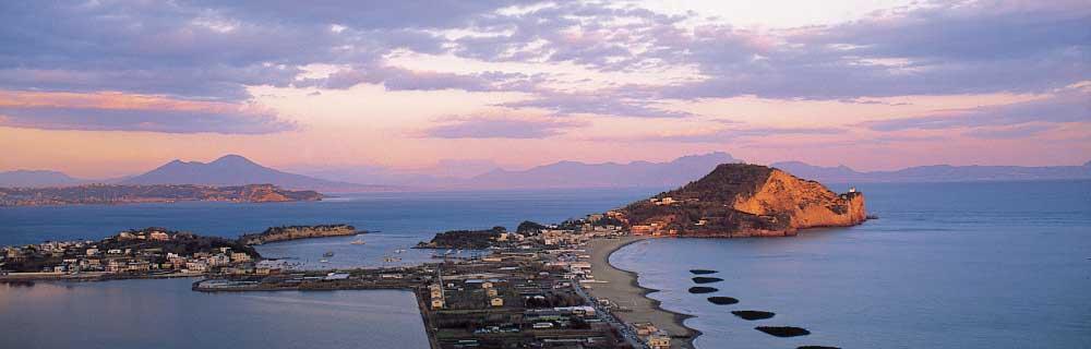I Campi Flegrei. Storia, archeologia e miti a pochi passi da Napoli