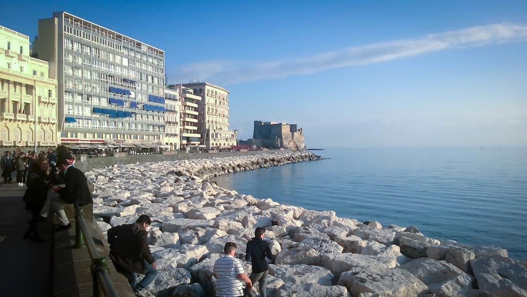 Lungomare di Napoli da Santa Lucia a Mergellina