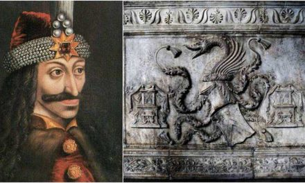 Halloween a Napoli, passeggiata esoterica e visita alla Tomba di Dracula