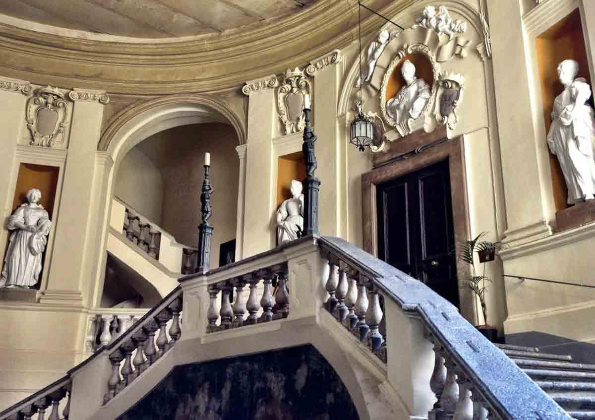 Antichi Palazzi di Napoli- Palazzo Spinelli