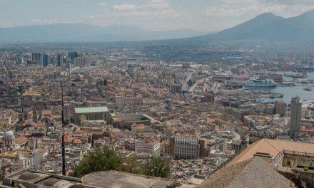 Spaccanapoli: l'antico decumano che taglia in due la città di Napoli