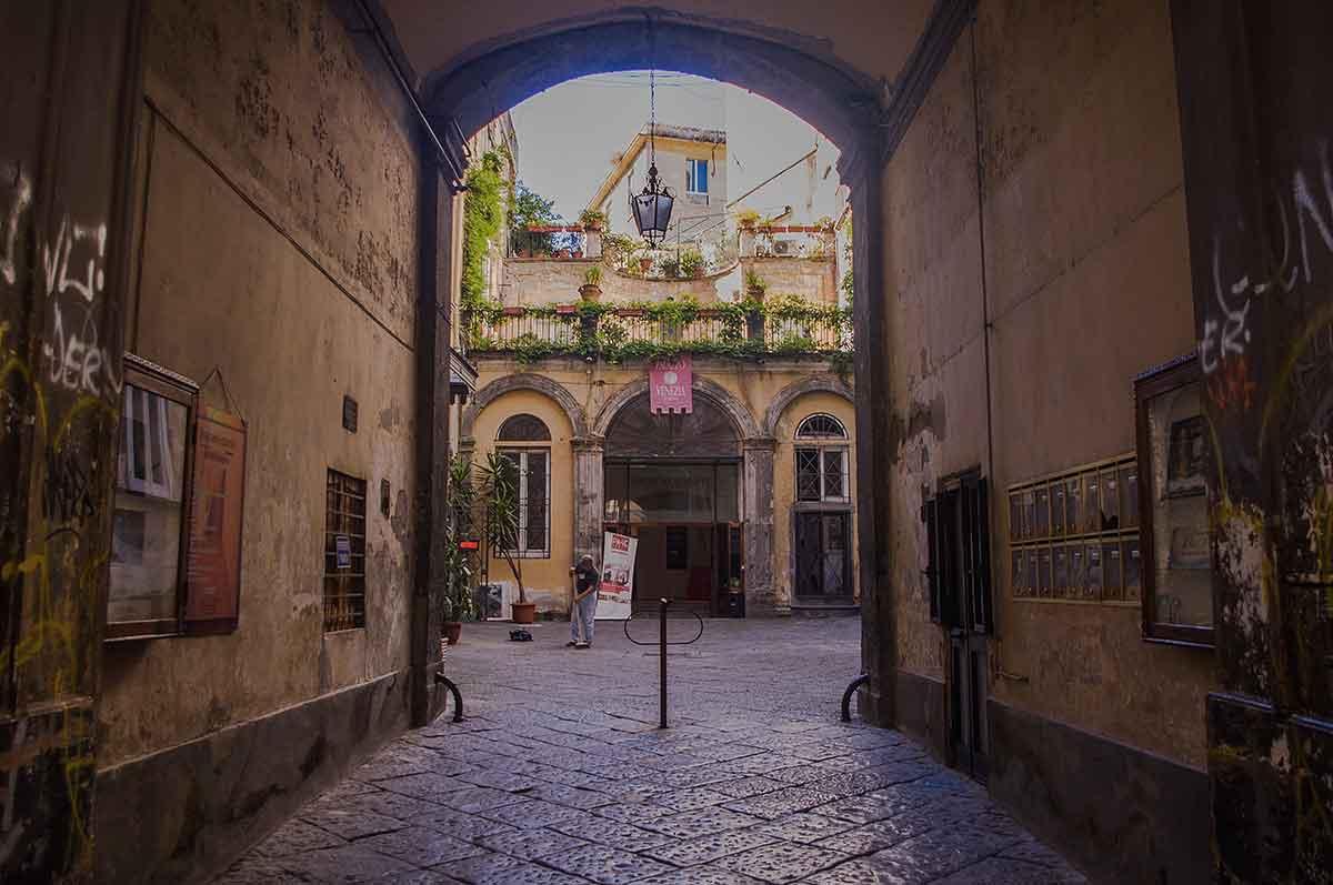Palazzo Venezia Napoli Cortile