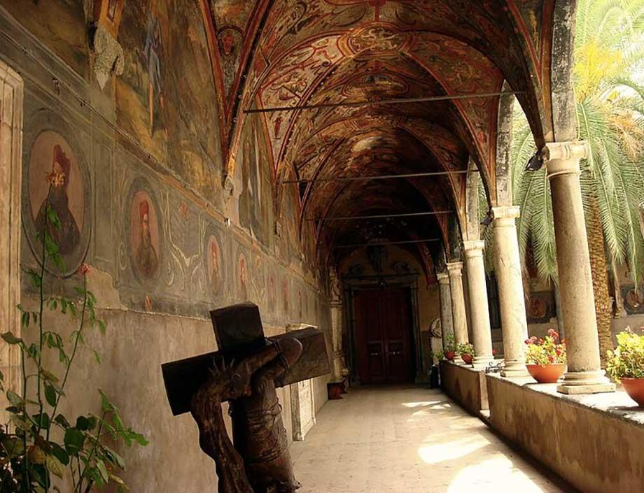 Chiostro Santa Maria la Nova Napoli