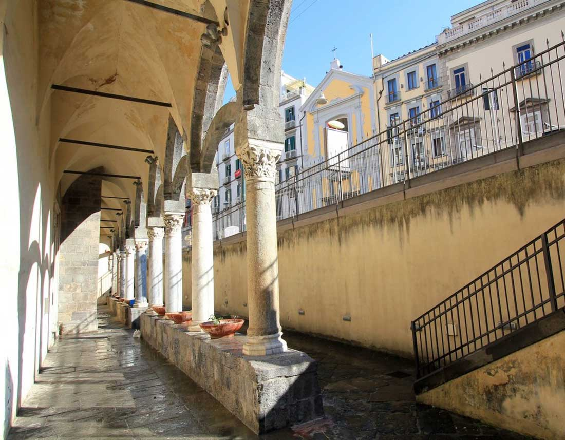 Santa Maria Incoronata Via Medina