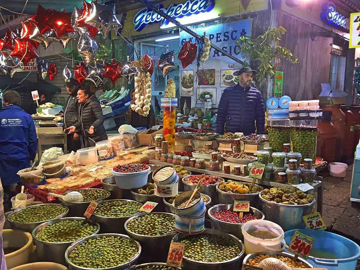 Mercato del Pesce a Pozzuoli
