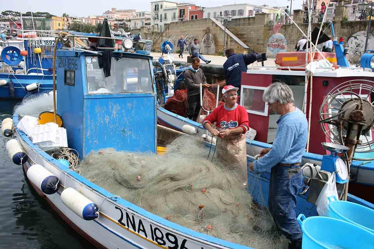 Pesca a Pozzuoli