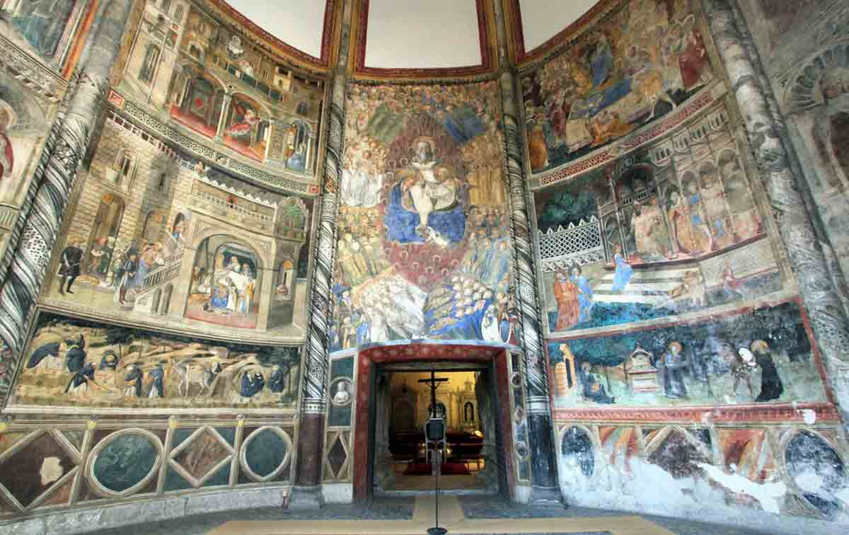 San Giovanni a Carbonara, Cappella Caracciolo del sole