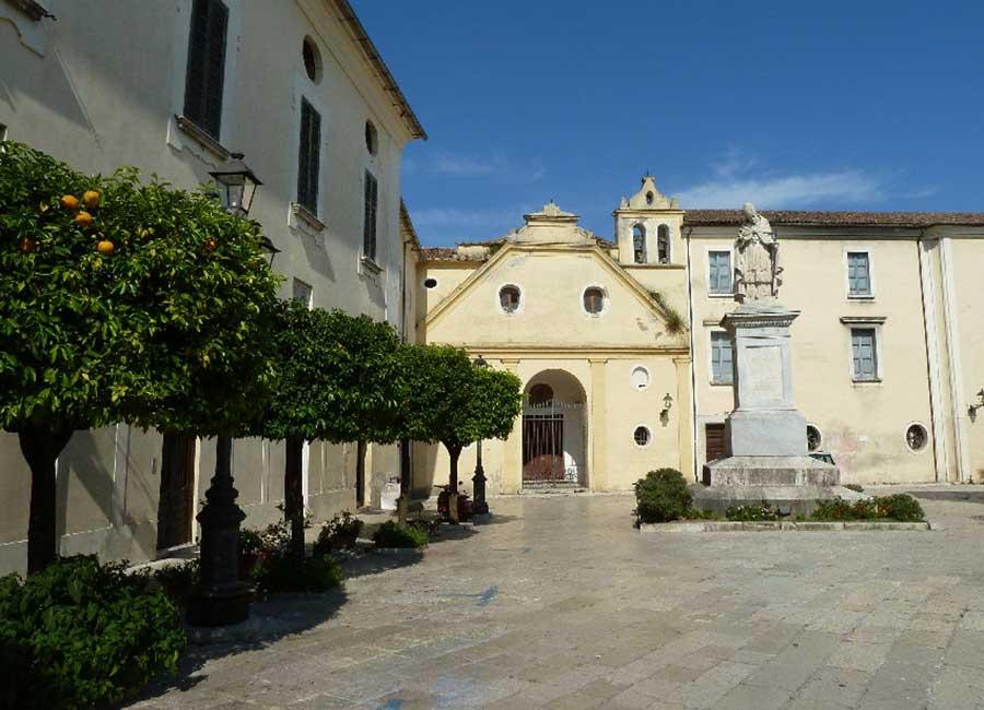 Sant'Agata dei Goti - Piazza Umberto I