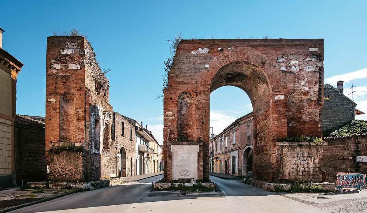 Arco di Adriano Santa Maria Capua Vetere