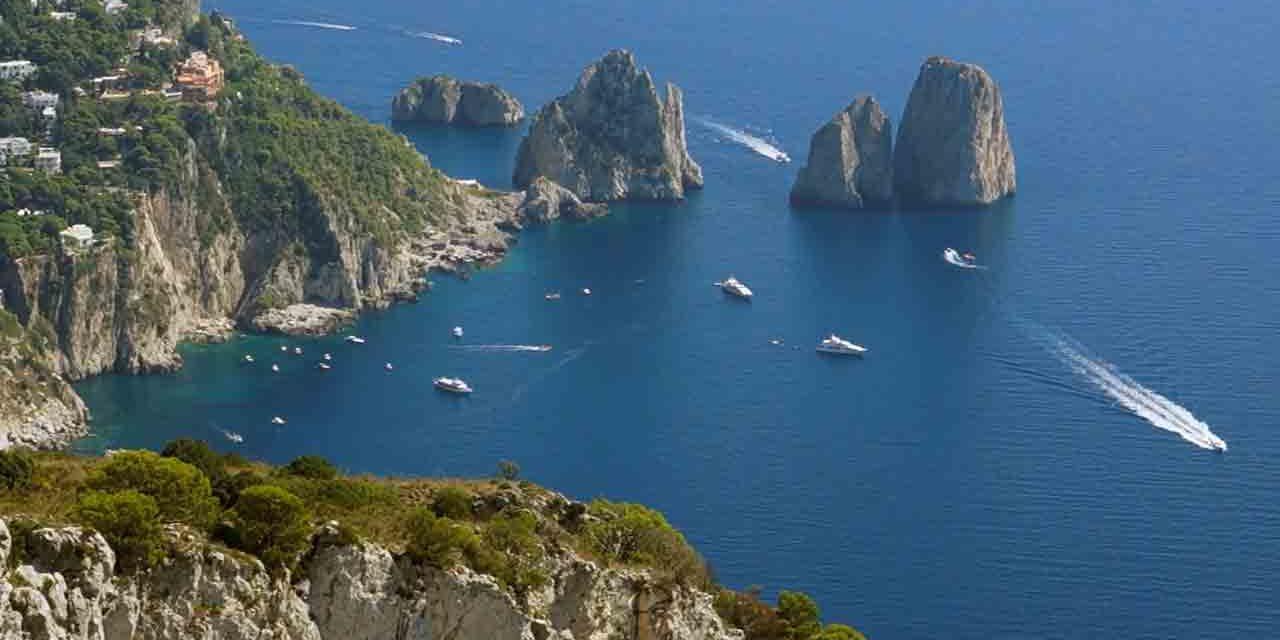 Faraglioni i guardiani dell'isola di Capri