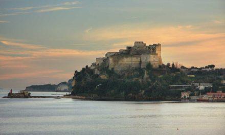 Castello di Baia aperture serali per ammirare il tramonto