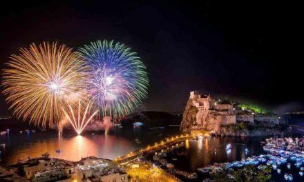 Festa di Sant'Anna 2018 a Ischia: barche, luci e fuochi pirotecnici