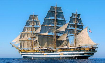 Naples shipping week 2018 con Nave Vespucci e Nave Rizzo