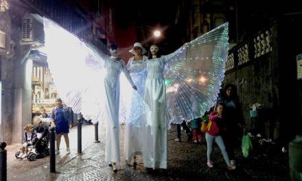 Napoli Buskers Festival a via Toledo con la Compagnia dei Saltimbanchi
