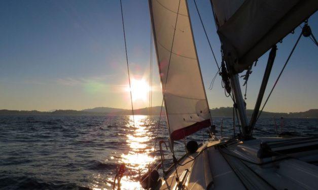 Escursioni in barca a vela nel Golfo di Napoli