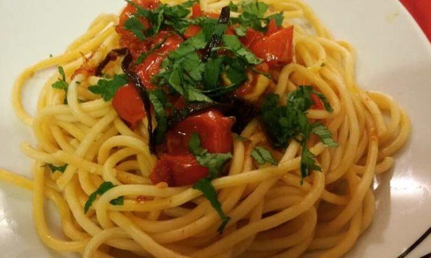 Ricetta degli Spaghetti alle vongole Fujute