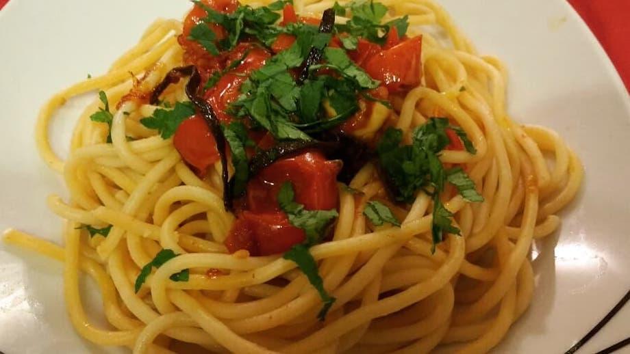 Spaghetti alle vongole Fujute, la ricetta di Eduardo De Filippo