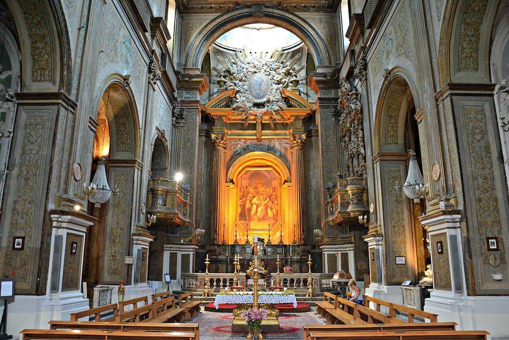 Chiesa del Gesù delle Monache a Porta San Gennaro Napoli Interno