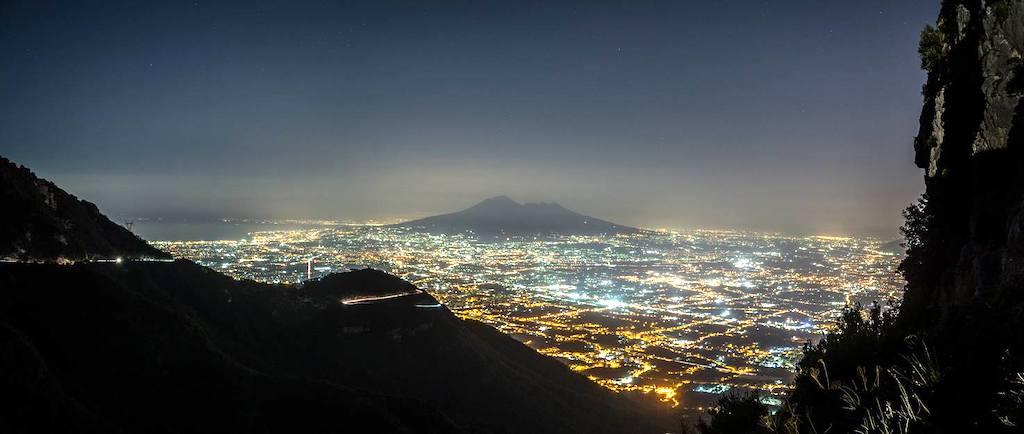Passeggiate notturne sul Vesuvio alla luce delle stelle 2019