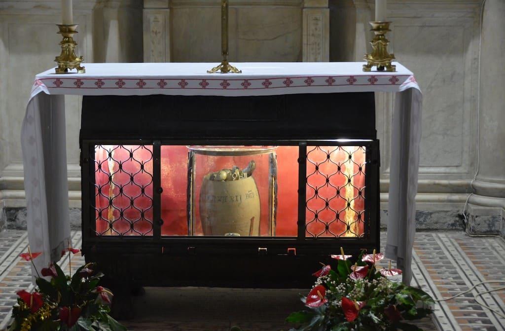 Cappella del Succorpo, le reliquie di S.Gennaro