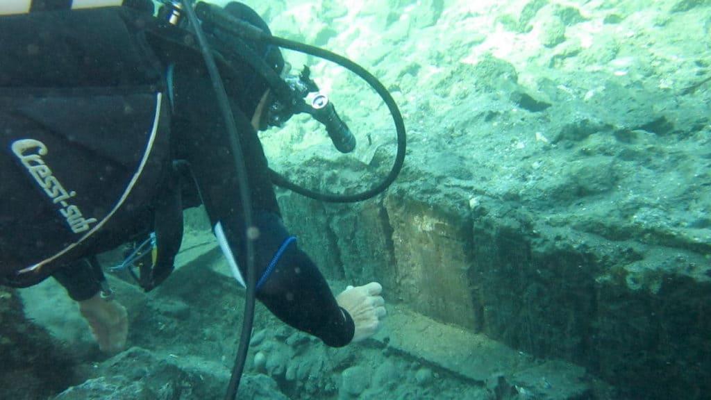 Aenaria resti della banchina portuale