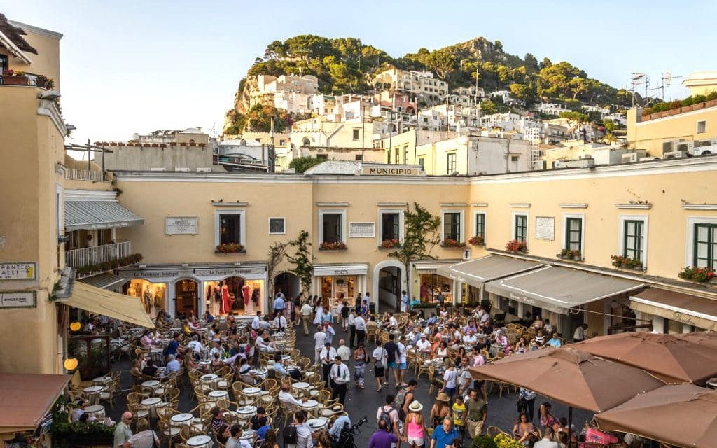 Piazzetta di Capri, il salotto del mondo