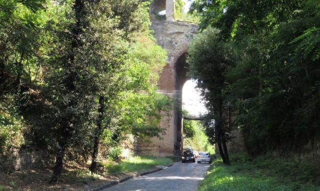 Arco Felice, l'antico ingresso monumentale di Cuma