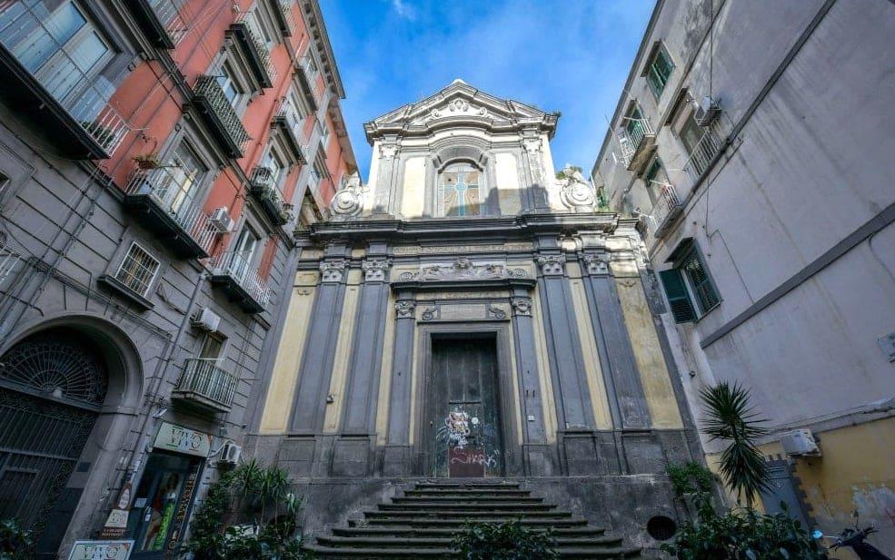 Chiesa di Sant'Aspreno dei Crociferi nel rione Sanità